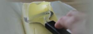 Voita juustohöylällä