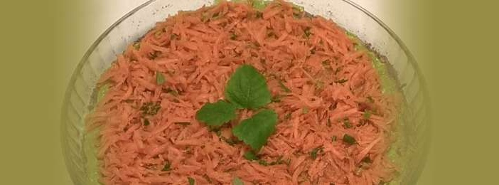 porkkana avokado raakapiirakka