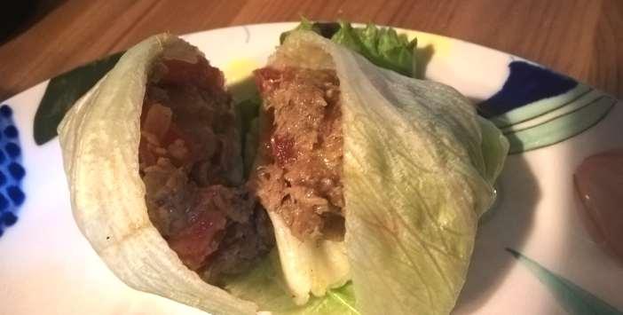 Nyhtökauralla täytetyt salaattinyytit