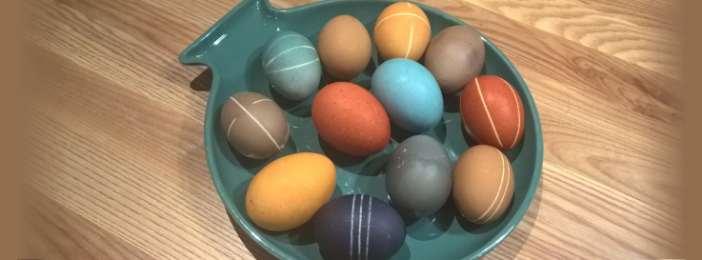 Maalaa tai värjää kananmunat luonnollisesti!